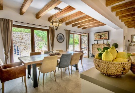 Puigpunyent – Stunning historic Finca with amazing pool area and mountains views, Matthew Cull Luxury Real Estate