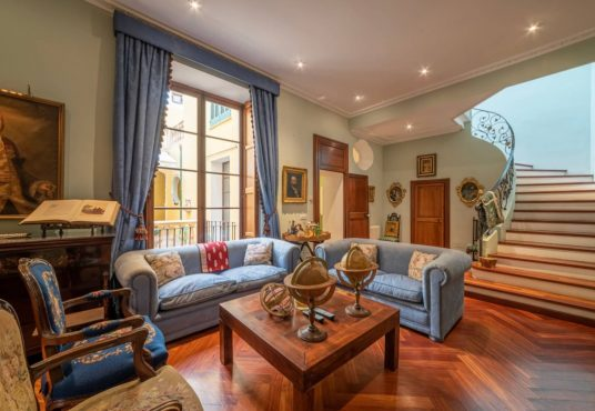 Historic Townhouse in Old Town Palma, matthew cull luxury real estate